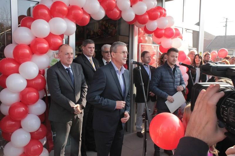 """Привредна комора Војводине на отварању новог објекта компаније """"Медиус"""""""