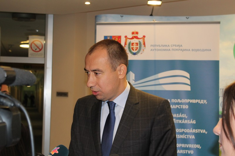 Покрајински секретаријат за пољопривреду уручио 154 уговора за суфинансирање набавке опреме за наводњавање и изградњу експлоатационих бунара