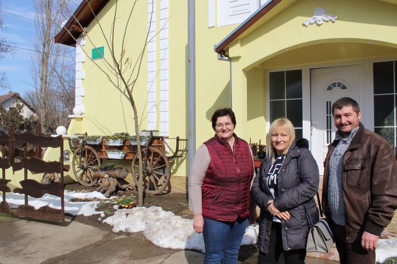 Делегација Привредне коморе Војводине посетила фарму музних крава у Бачком Градишту