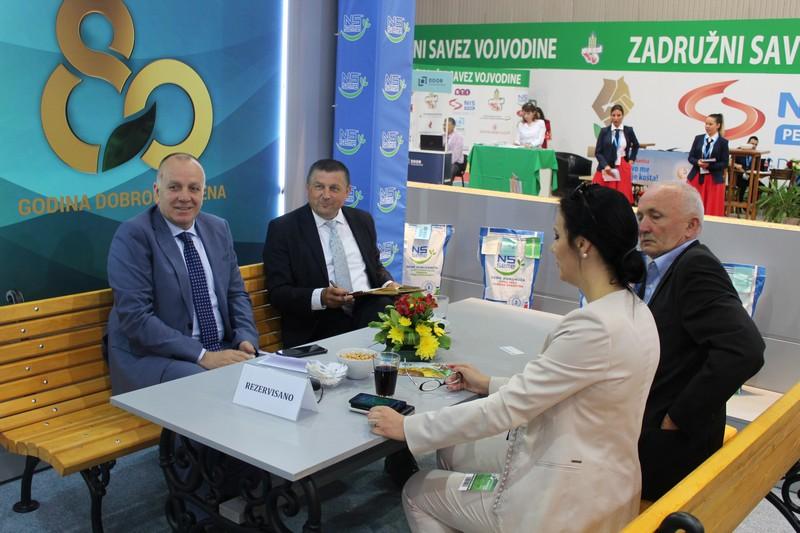 Привредна комора Војводине у посети штанду Института за ратарство и повртарство на Пољопривредном сајму