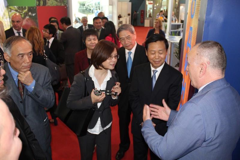 Посета Свекинеског народног Конгреса НР Кине штанду Привредне коморе Војводине