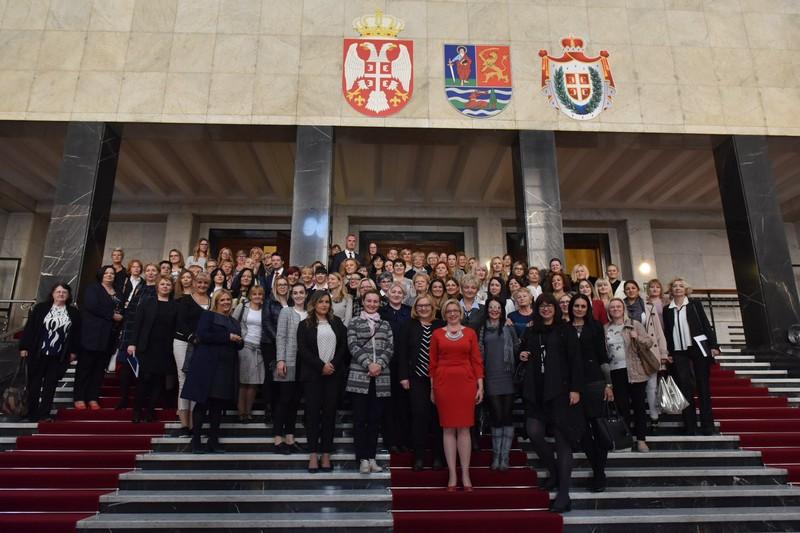 """Конференција """"Институционална подршка економском оснаживању жена"""" – побољшање услова живота свих грађанки и грађана АП Војводине"""