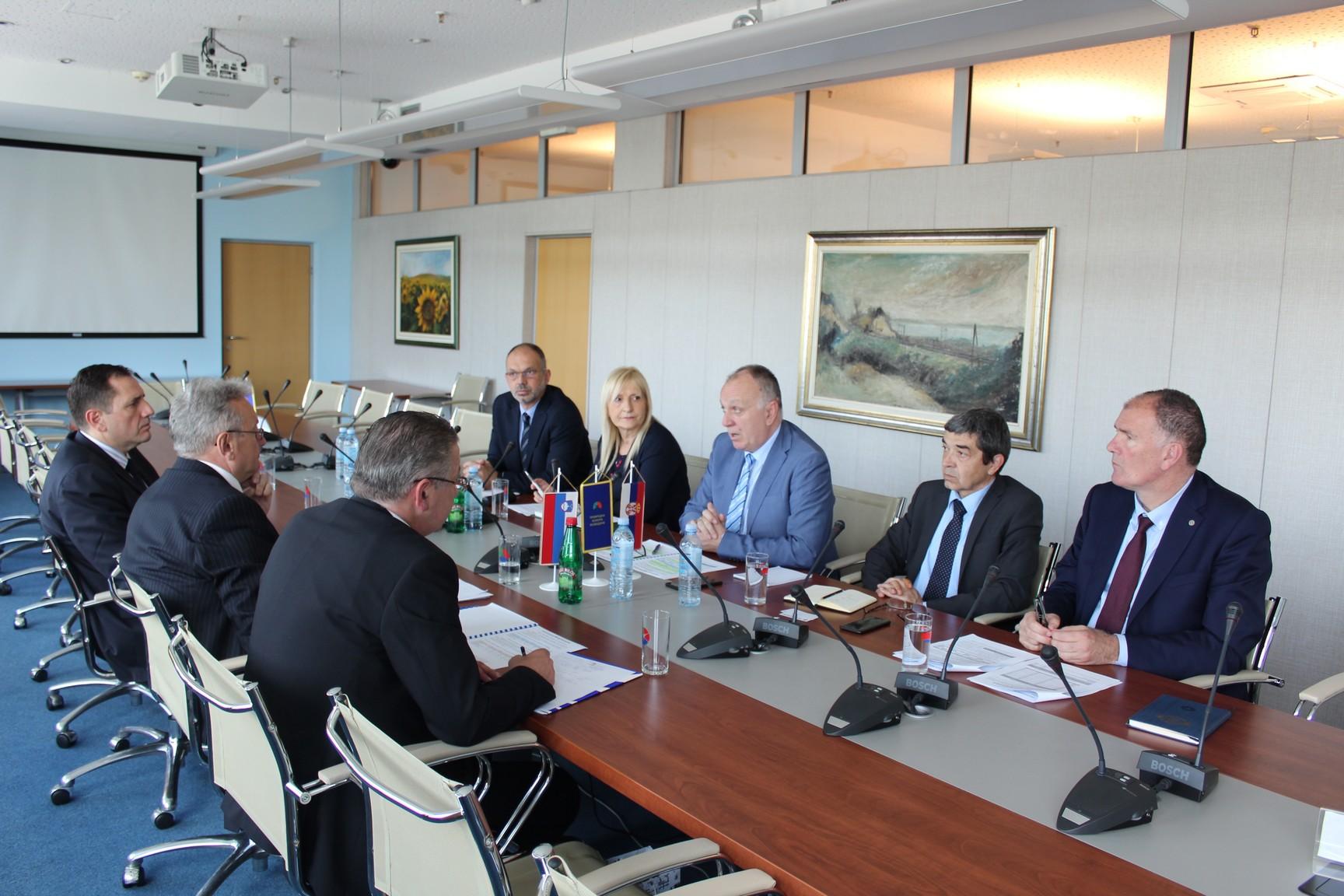 Sastanak na temu daljeg unapređenja privredne saradnje sa Republikom Slovenijom