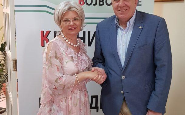 Привредна комора Војводине донирала рачунаре Клиничком центру Војводине