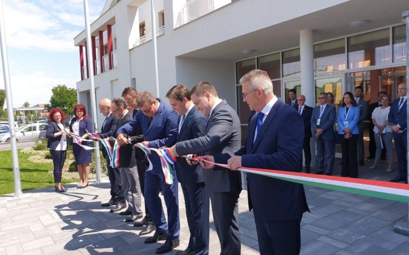 """Отворен Српски културни центар """"Коло"""" у Морахалому, Мађарска"""