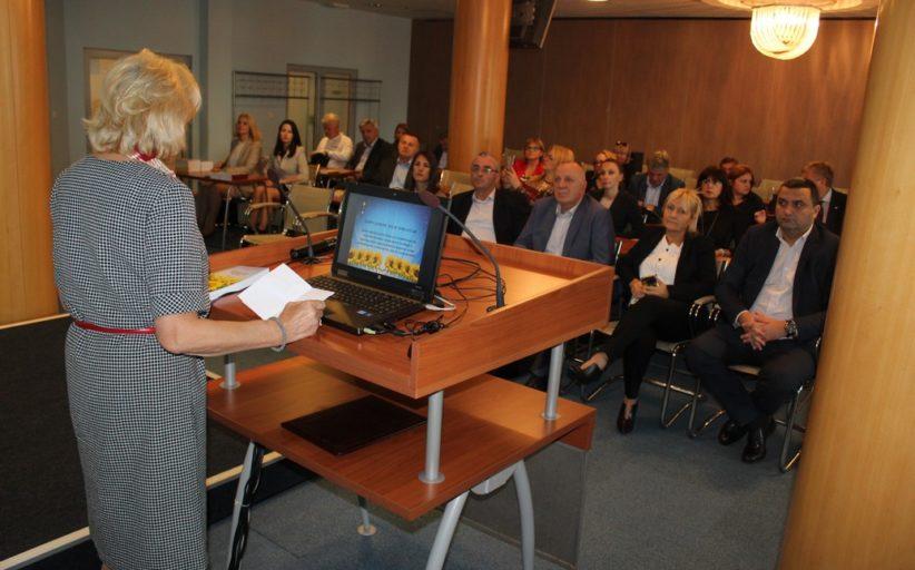 """Промоција књиге Пословне заједнице """"Индустријско биље"""" у Привредној комори Војводине"""