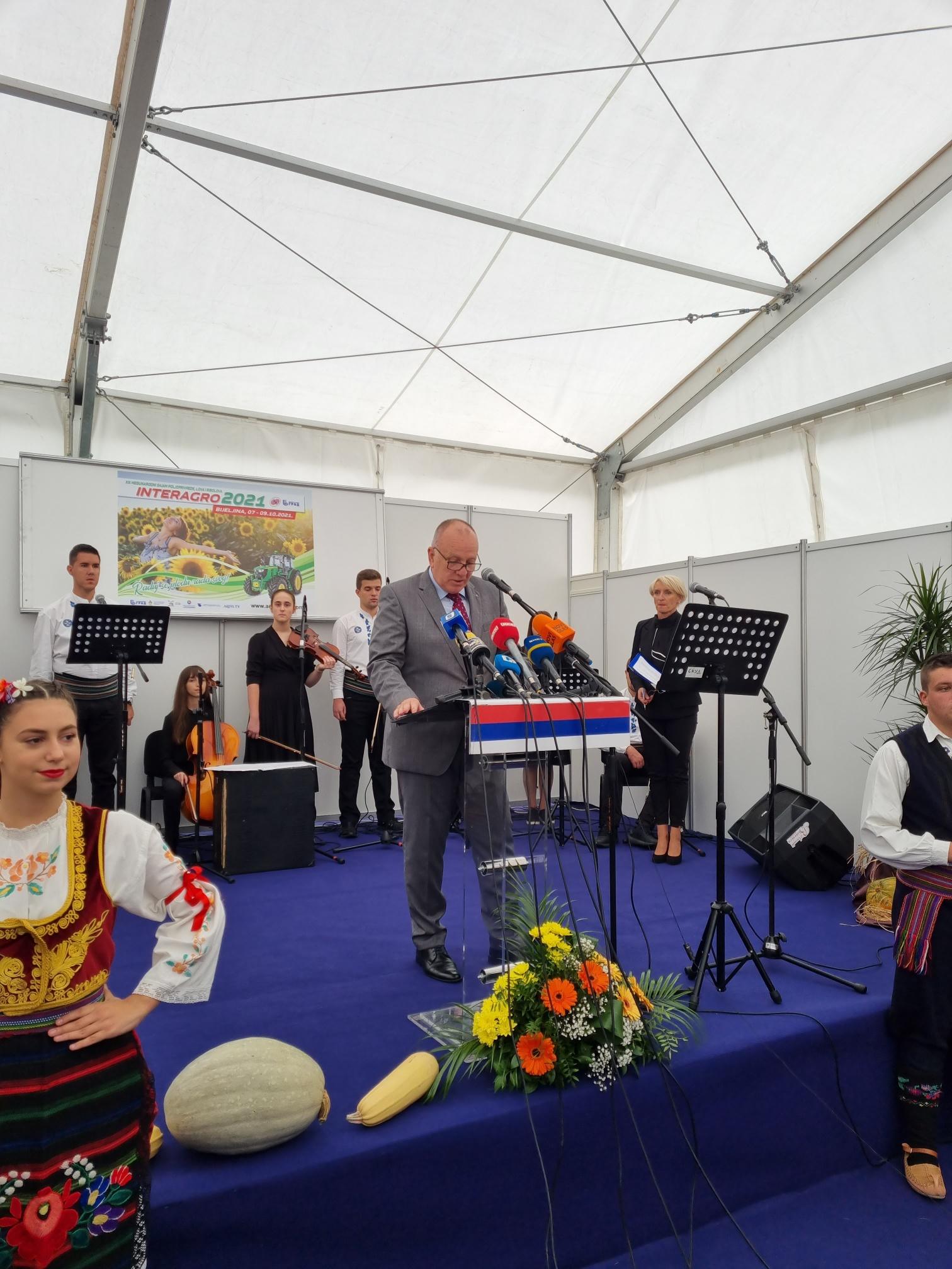 """Успешно представљање војвођанске привреде и Привредне коморе Војводине на пољопривредном сајму """" Интерагро"""" у Бијељини"""